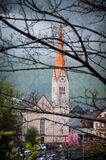 Toneel ziet de beeld-prentbriefkaar mening van beroemd Hallstatt-bergdorp met Hallstaetter in de Oostenrijkse Alpen, gebied van S Stock Fotografie