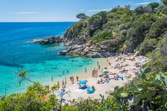 Toneelgezicht van Cavoli-strand in Elba Island, Toscanië, Italië stock afbeeldingen