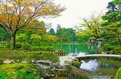 Toneelkenrokuen-Tuin in Kanazawa, Japan in de Zomer royalty-vrije stock fotografie