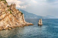 Toneelkustlijn op de Zwarte Zee dichtbij Yalta, de Krim Stock Foto's