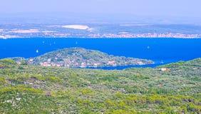 Toneelmening naar Adriatische overzees van Kroatië royalty-vrije stock foto
