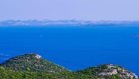 Toneelmening naar Adriatische overzees van Kroatië royalty-vrije stock fotografie