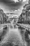 Toneelmening over Peterhof-Paleis en Overzees Kanaal, Rusland Stock Foto's