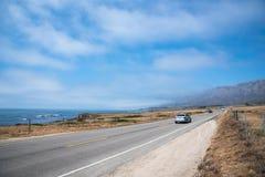 Toneelmening van de Kustlijn Vreedzame Weg 1 van Californië Royalty-vrije Stock Foto's