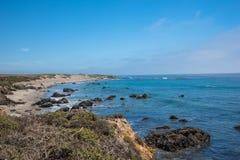 Toneelmening van de Kustlijn Vreedzame Weg 1 van Californië Royalty-vrije Stock Afbeelding