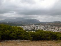 Toneelmening van de stad van Rethymno van de middeleeuwse vesting Fortezza stock afbeelding