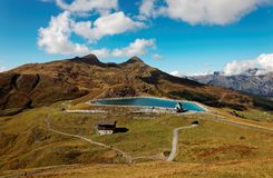 Toneelmening van Fallbodensee-Meer in Kleine Scheidegg in Jungfrau-gebied, Zwitserland royalty-vrije stock fotografie
