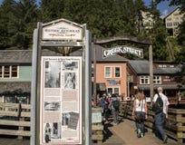 Toneelmening van Historische Kreekstraat op Ketchikan, Alaska royalty-vrije stock afbeelding