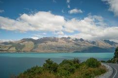 Toneelmening van Meer Wakatipu, Road van Glenorchy Queenstown, Zuideneiland, Nieuw Zeeland Royalty-vrije Stock Fotografie