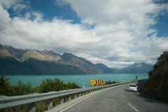 Toneelmening van Meer Wakatipu, Road van Glenorchy Queenstown, Zuideneiland, Nieuw Zeeland Stock Foto's