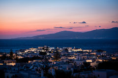 Toneelmening van Mykonos-stad na zonsondergang Royalty-vrije Stock Afbeelding