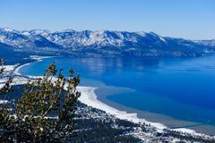 Toneelstandpunt bij Zuidenmeer Tahoe, Californië stock afbeeldingen