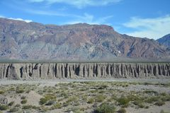 Toneelweg in de Bergen van de Andes tussen Chili en Argentinië royalty-vrije stock afbeeldingen