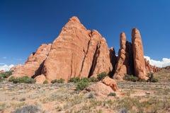 Toneelweg tussen Van angst verstijfde Duinen en Vurige Oven bij Bogen Nationaal Park Utah de V.S. stock fotografie