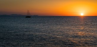 Toneelzonsondergang in Cefalà ¹, Sicilië, zuidelijk Italië stock foto