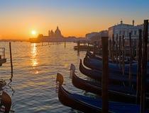 Toneelzonsondergang in Venetië Stock Afbeelding