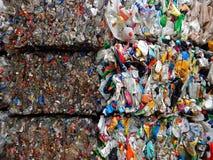 Toneladas de plástico imagen de archivo libre de regalías