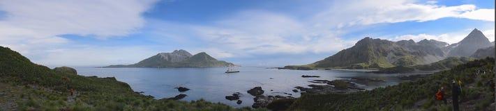 Tonelero Bay, Georgia del sur - enero de 2015: Caminar la isla en Georgia del sur Foto de archivo libre de regalías