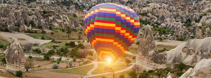 Tonen de ballons van de brander Hete lucht in Cappadocia, Turkije royalty-vrije stock foto