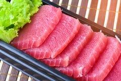 Tonfisksashimi, rå fisk - japansk matstil Fotografering för Bildbyråer