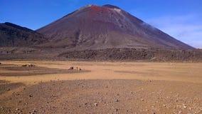 Tongariro che attraversa il vulcano del deserto della Nuova Zelanda immagini stock libere da diritti