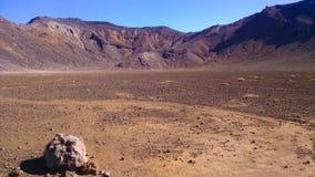 Tongariro die Woestijn Nieuw Zeeland kruisen royalty-vrije stock afbeeldingen