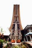 Tongkonan, традиционное torajan здание с много рожками буйвола на фасаде Tana Toraja, Rantepao, Сулавеси, Индонезия Стоковая Фотография