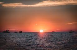 Tonięcia słońce - piękny widok podczas zmierzchu fotografia stock