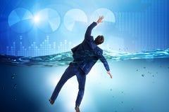 Tonięcie biznesmen w niewypłacalności i bankructwa pojęciu Fotografia Stock