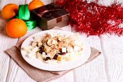 Tonijnsalade met zwarte rijst, feta cheesse en greens Stock Foto