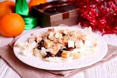 Tonijnsalade met zwarte rijst, feta cheesse en greens Stock Afbeelding