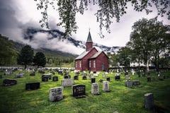 Tonjum, Noorwegen - Mei 14, 2017: Rode kerk van Tonjum-dorp, noch stock fotografie