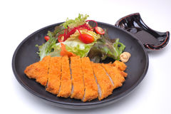 Tonkatsu, costoleta japonesa da carne de porco no fundo branco Imagem de Stock Royalty Free