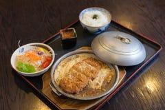 Tonkatsu met rijst en ei Stock Fotografie