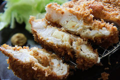 Tonkatsu (porc cuit à la friteuse) Images stock