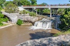 Tonkawa公园瀑布在克劳福德得克萨斯 免版税库存图片