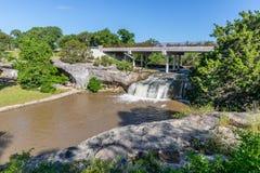 Tonkawa公园瀑布在克劳福德得克萨斯 库存图片