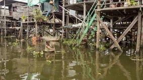 Tonle Aprosza jezioro lokalni ludzie Zdjęcie Stock