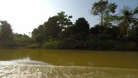 Tonle Sap River filme