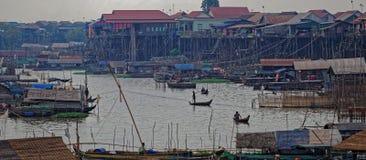 Tonlesap visserijdorp, Kambodja stock afbeelding