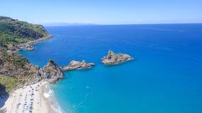 Tonnara plaża Ulivo i Scoglio, Calabria od powietrza Zdjęcia Stock