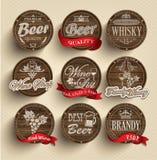Tonneaux avec des emblèmes d'alcool Photos libres de droits