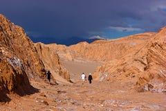 Tonnerre de approche dans le désert d'Atacama, Chili Photo stock