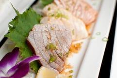 Tonno ed altro del primo piano sashimi del pesce Immagine Stock Libera da Diritti