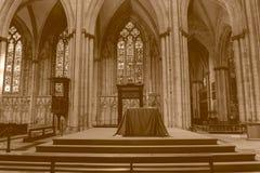 Tono di seppia di HDR di vista laterale di destra dell'altare di York Minster Immagini Stock Libere da Diritti