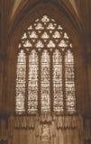 Tono di seppia di signora Chapel Wells Cathedral del vetro macchiato immagini stock libere da diritti