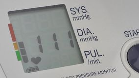Tonometer moderno da pressão filme