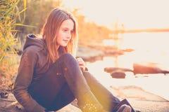 Tonårig flicka bara Arkivfoto