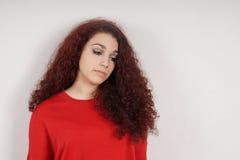 Tonårs- flicka som ner känner sig Royaltyfria Bilder