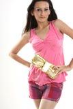 tonårs- flickaholdinghandväska Royaltyfri Bild